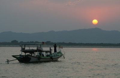 myanmar ayerwaddy sunset